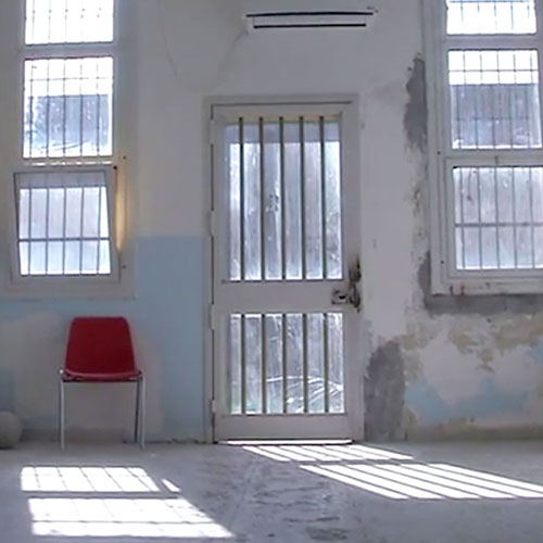Ragazzi fuori, vite tra carceri e comunità